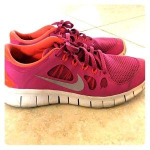 🌸Girls Pink Nike Tennis Shoes. 🌸